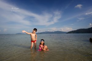 kids on the beach at Pitiusas in Koh Lipeh