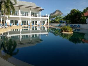 big pool in nadivana serviced apartment